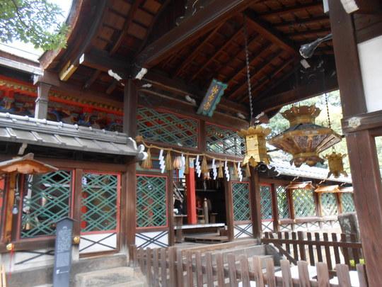 御香宮神社 拝殿.JPG